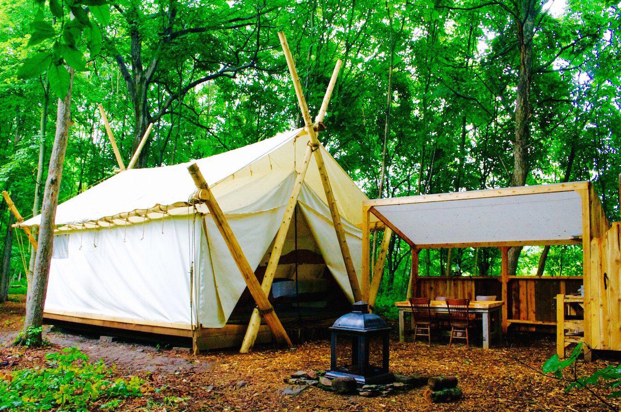 Camp |
